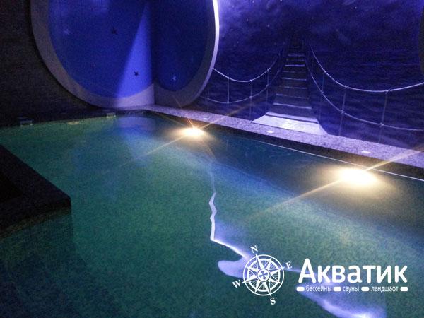 Уникальное освещение для бассейна