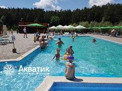 бетонный бассейн в эко-отеле