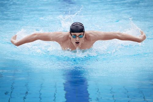 Плаванье в бассейне и польза для здоровья